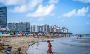 The Florida Beaches are Under-Attack by Sea-Lice